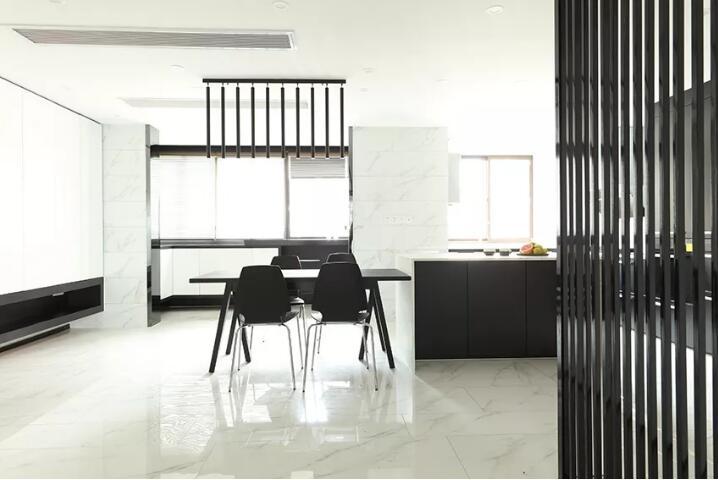 极简黑白搭配出的时尚惊喜 CCTV-2《交换空间·空间榜样》打造家居流行趋势